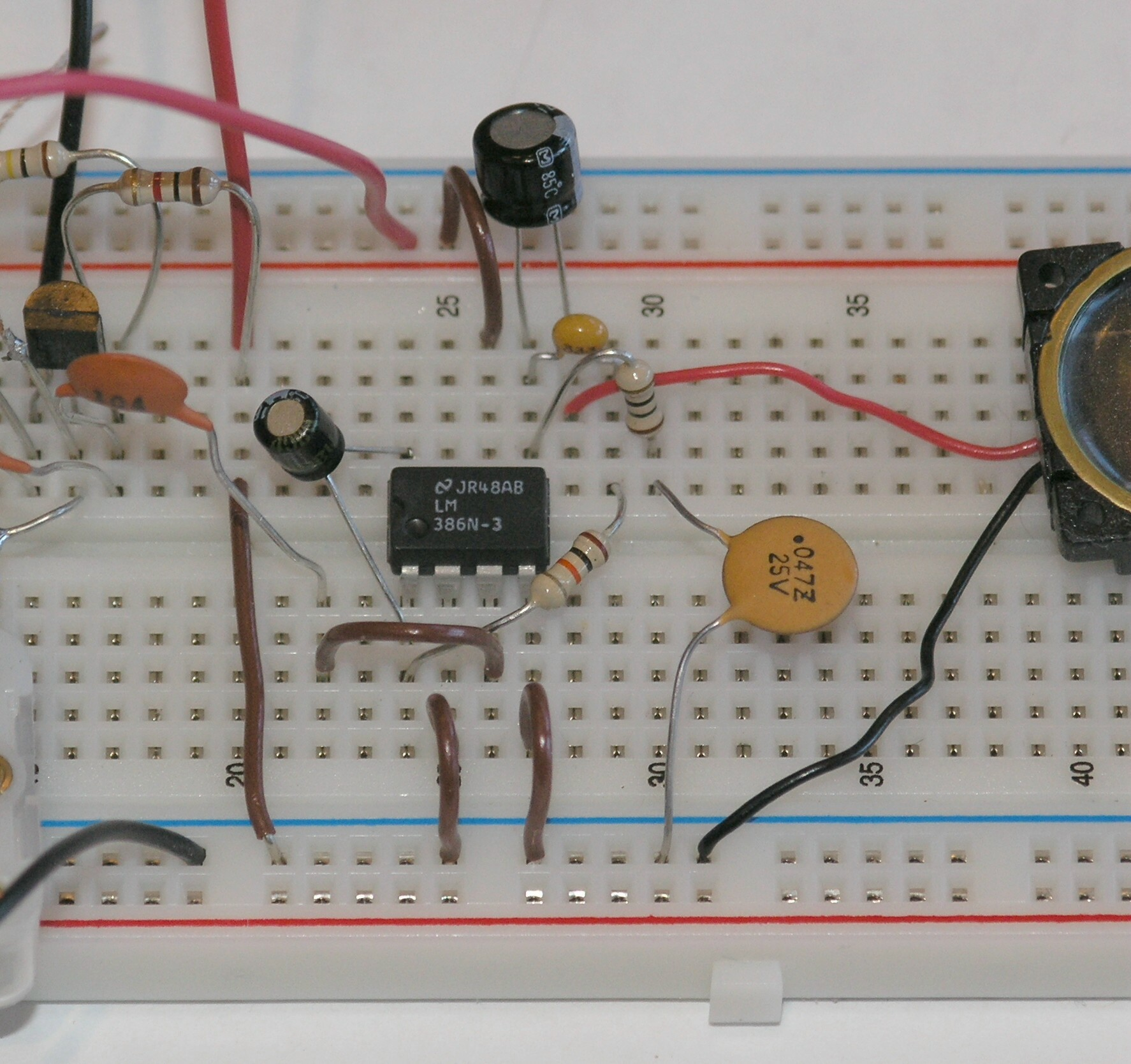 Chapter 10 Computers And Electronics Build A Simple Integrated The Circuit Is Simplest Part Of This Project Click On Image Amplifier