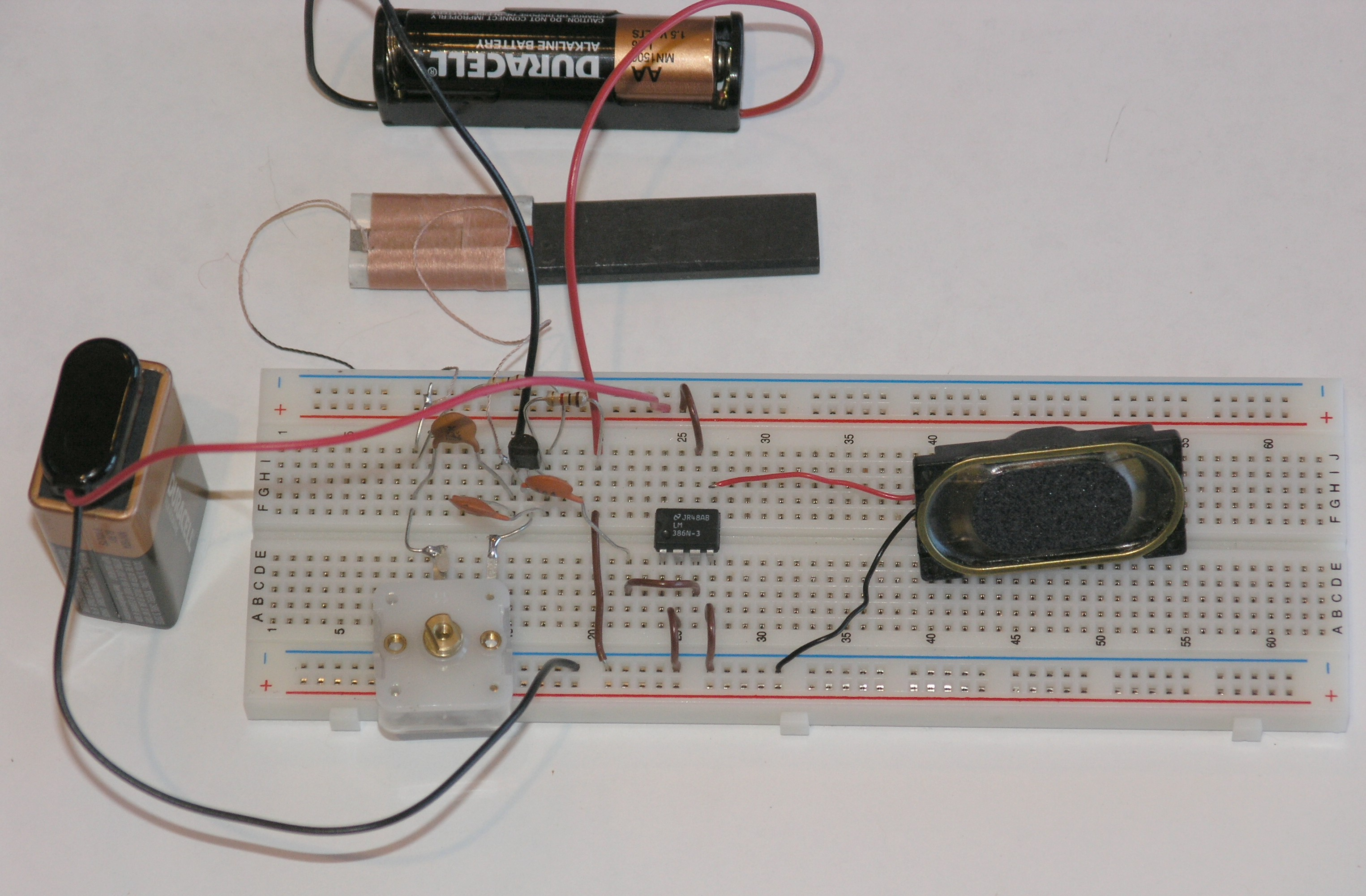 Chapter 10 Computers And Electronics Build A Simple Integrated Very Led Flashing With Sound Electronic Projects Circuits An Circuit Audio Amplifier