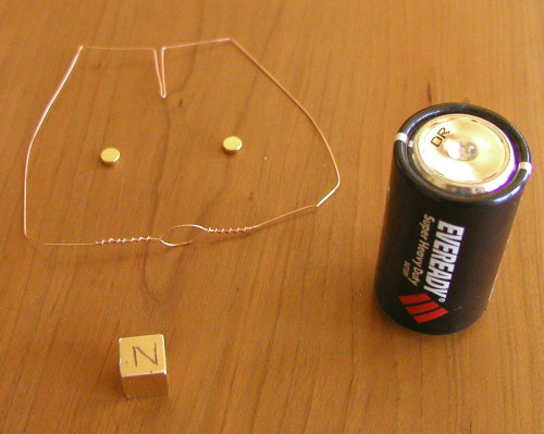 homopolar motor made from a battery